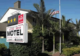 Flying Spur Motel - St Kilda Accommodation