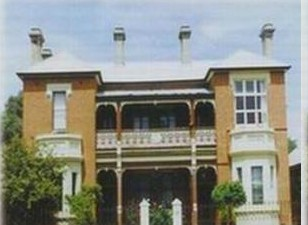 Strathmore Victorian Manor - St Kilda Accommodation