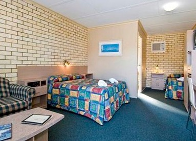 Econo Lodge Fraser Gateway - St Kilda Accommodation