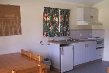 Halliday Bay Resort - St Kilda Accommodation