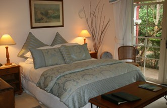 Noosa Valley Manor - Bed And Breakfast - St Kilda Accommodation