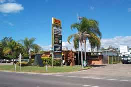 Queens Beach Motor Hotel - St Kilda Accommodation