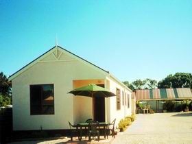 Port Vincent Holiday Cabins and Apartments - St Kilda Accommodation