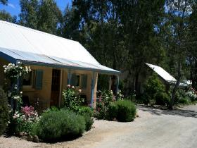 Riesling Trail Cottages - St Kilda Accommodation