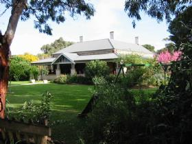 Yankalilla Bay Homestead Bed and Breakfast - St Kilda Accommodation