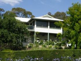 Riverscape Holiday Home - St Kilda Accommodation