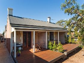 Strathalbyn Villas - St Kilda Accommodation