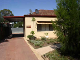 Loxton Smiffy's Bed And Breakfast Sadlier Street - St Kilda Accommodation