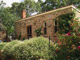 The Heritage Garden - St Kilda Accommodation