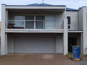Tradewinds at Port Elliot - St Kilda Accommodation