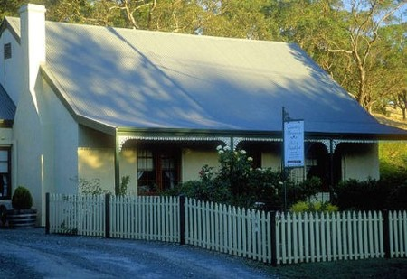 Country Pleasures Bed and Breakfast - St Kilda Accommodation