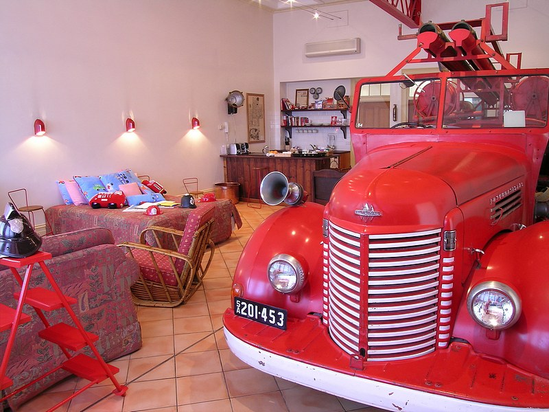 The Fire Station Inn - Fire Engine Suite - St Kilda Accommodation