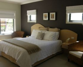 CeeSpray on Owen Bed and Breakfast - St Kilda Accommodation