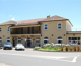 The Huskisson on Jervis Bay - St Kilda Accommodation