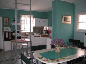 Lavender and Lace Cottage - St Kilda Accommodation