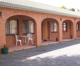 Cooma Country Club Motor Inn - St Kilda Accommodation