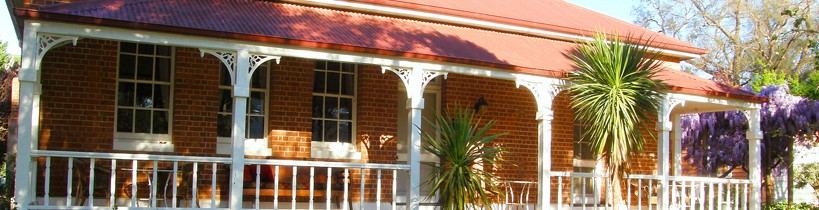 Araluen Old Courthouse Bed and Breakfast - St Kilda Accommodation