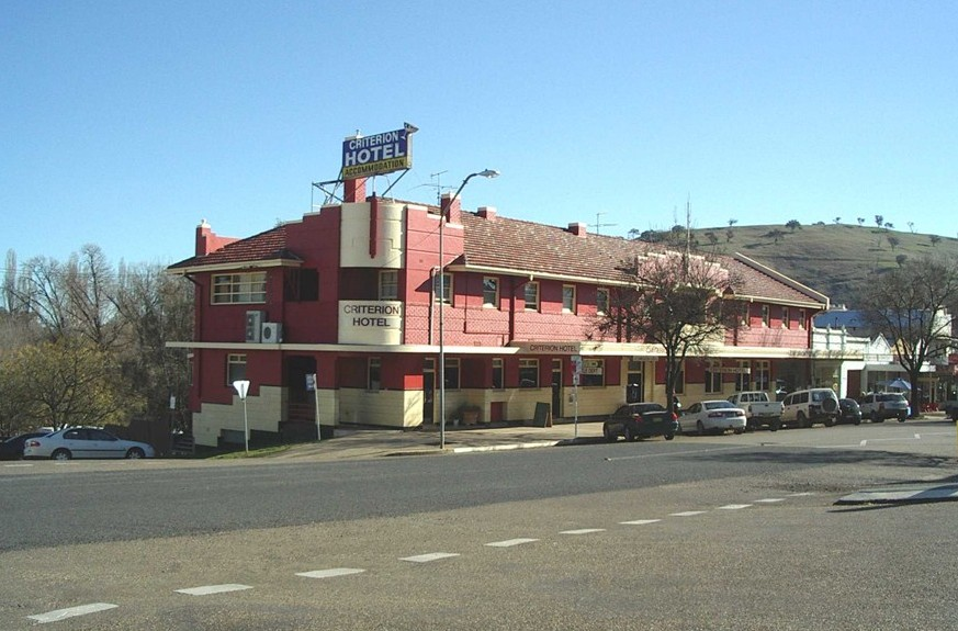 Criterion Hotel Gundagai - St Kilda Accommodation