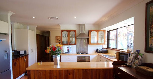 Cicada Country House - St Kilda Accommodation