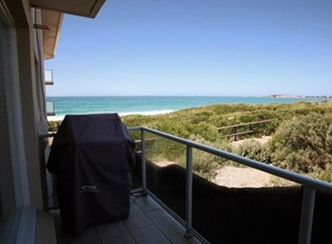 Beachfront Narrabeen - St Kilda Accommodation