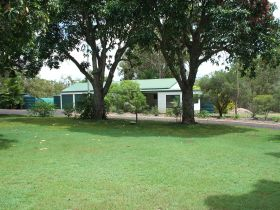 Bungadoo Country Cottage - St Kilda Accommodation