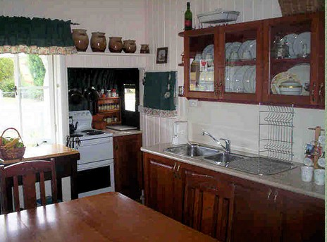 Dillons Cottage - St Kilda Accommodation