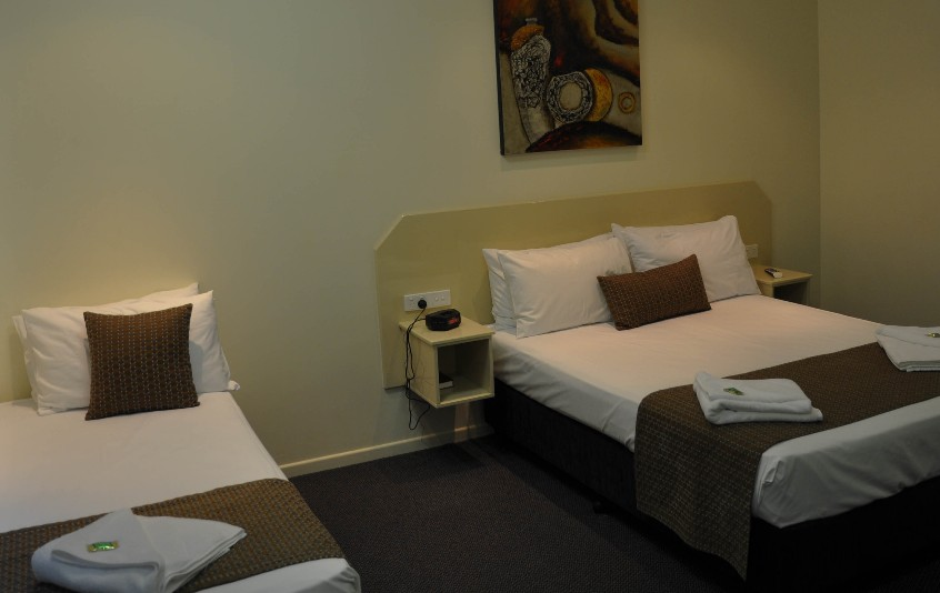Bluewater Harbour Motel Bowen - St Kilda Accommodation