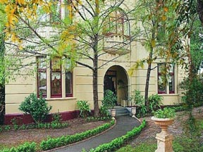 Quality Toorak Manor - St Kilda Accommodation