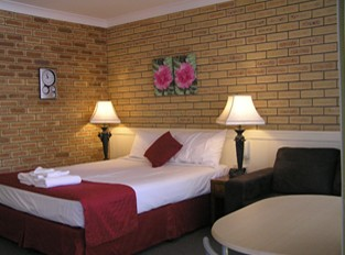 Blue Violet Motor Inn - St Kilda Accommodation
