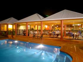 Reef Resort - St Kilda Accommodation
