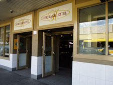 Heritage Hotel Penrith - St Kilda Accommodation
