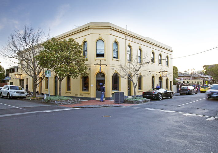 College Lawn Hotel - St Kilda Accommodation