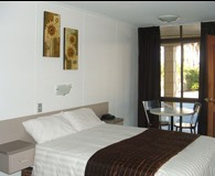 The Edge Hotel - St Kilda Accommodation