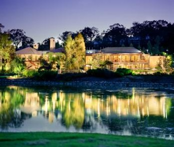 Cypress Lakes Resort - St Kilda Accommodation