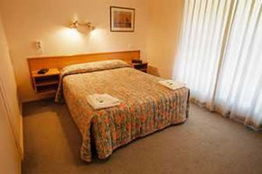 Birralee Holiday Villas - St Kilda Accommodation