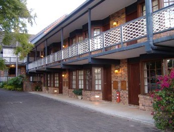 Montville Mountain Inn - St Kilda Accommodation