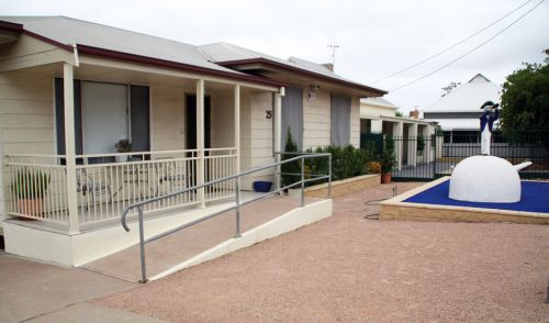 Executive Holiday Rental - St Kilda Accommodation
