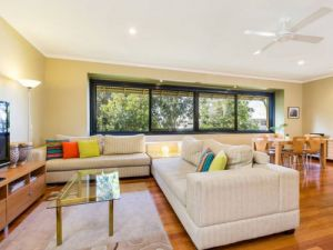 Short Stay Network - St Kilda Accommodation