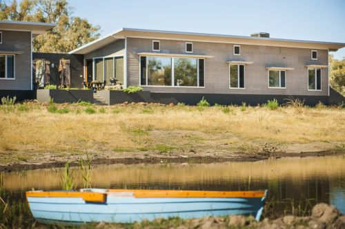 Girragirra Retreat - St Kilda Accommodation
