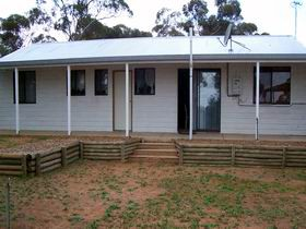 Lot 322 Holiday House - St Kilda Accommodation