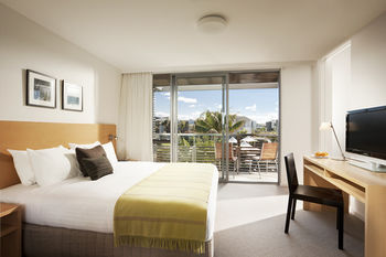 Pullman Magenta Shores Resort - St Kilda Accommodation