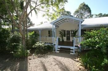 Noosa Country House - St Kilda Accommodation