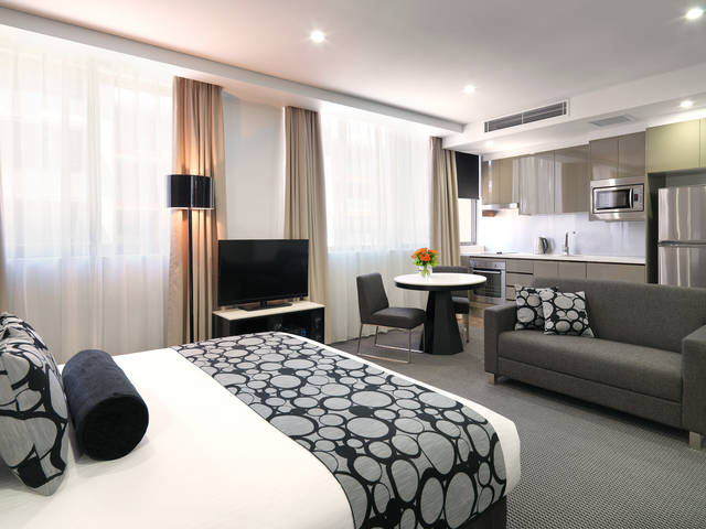 Meriton Serviced Apartments - North Ryde - St Kilda Accommodation