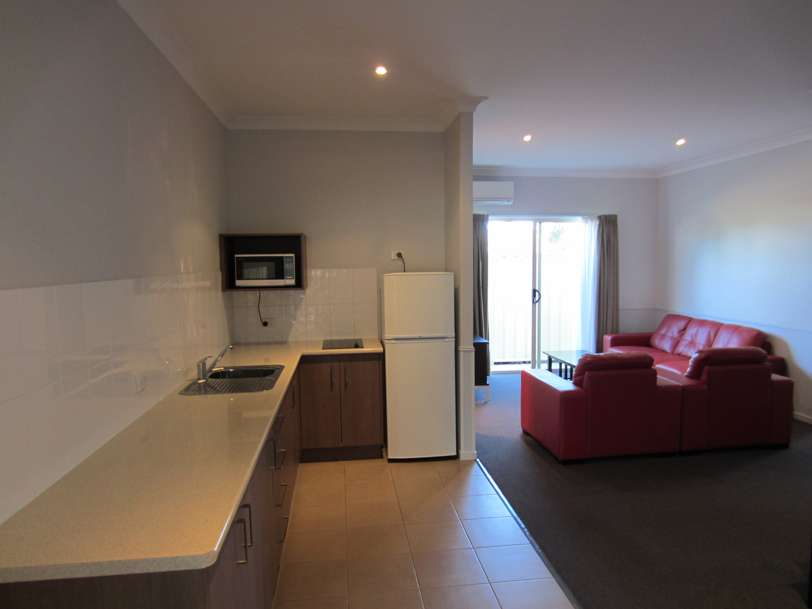 Roma Inland Motor Inn - St Kilda Accommodation