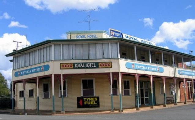 Royal Hotel Mundubbera - St Kilda Accommodation