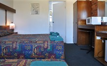 Adrian Motel - Forbes - St Kilda Accommodation