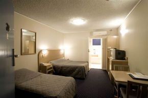 Dorset Gardens Hotel - St Kilda Accommodation