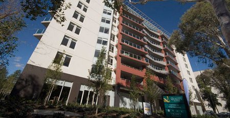 Quality Suites Clifton On Northbourne - St Kilda Accommodation