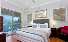 The Acreage Luxury BB and Guesthouse - - St Kilda Accommodation