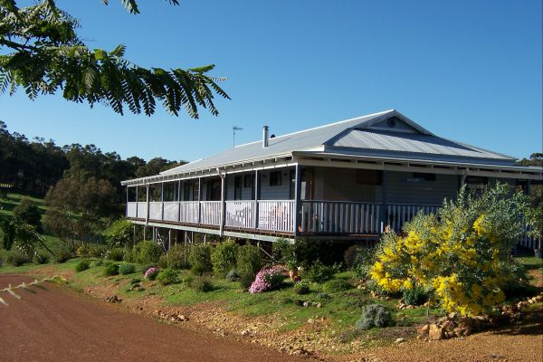 Blue House Bed and Breakfast - St Kilda Accommodation